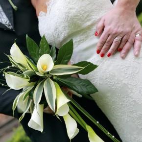 calla lillie modern bouquet