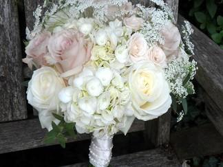 Soft Roses and White Hydrangeas at Latimer Estate