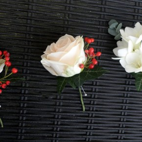 winter buttonholes