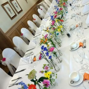 wild table flowers, wedding decor