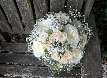 2015 bouquets - wedding florist buckinghamshire