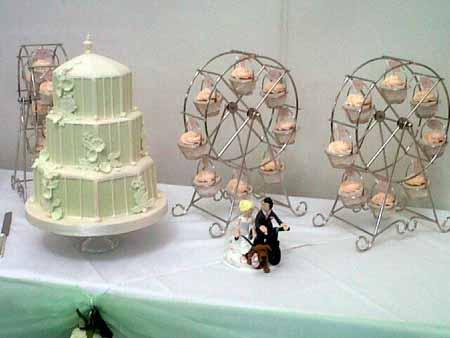 cake and wedding flowers buckingham