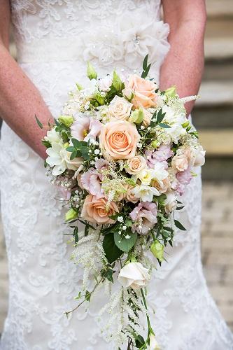 wedding bouquets bucks - summer country style wedding